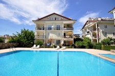Spacious Ground Floor 3 Bedroom Apartment with Communal Pool
