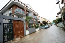 Brand New Centrally Located 2 Bedroom Duplex Apartment