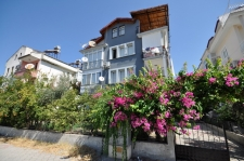 Centrally Located 3 Bedroom Apartment For Sale