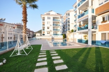 Reverse Duplex Apartment On Well Managed Luxury Site