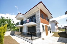 Brand New 5 Bedroom 2 Triplex Villas For Sale