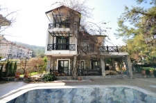 7 Bedroom Detached Triplex Villa with Private Swimming Pool