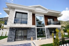 4 Bedroom Detached Villa with Sea View & Swimming Pool