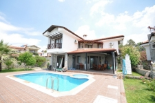 Stunning Traditional Stone 4 Bed Detached Villa with Pool