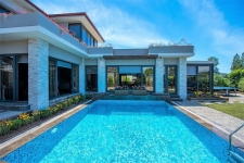 2 Bedroom Luxury Duplex Villa with Private Pool and Garden