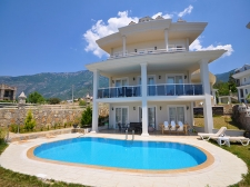 Spacious Detached Villa with 5 Bedrooms