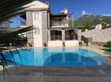 5 Bedroom Triplex Villa with Private Pool and Mountain View
