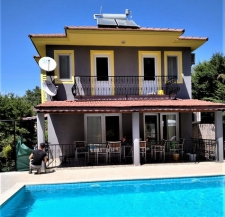 6 Bedroom Detached Triplex Villa with Private Pool & Garden