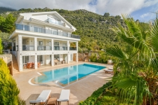 Exclusive 5 Bedroom Detached Villa with Private Pool