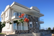 Villa for sale in Side Antalya with Pool and Garden