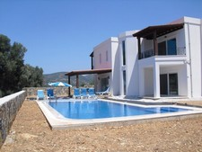 Spacious Yaliciftlik Villa Village Settings 4 Bedrooms